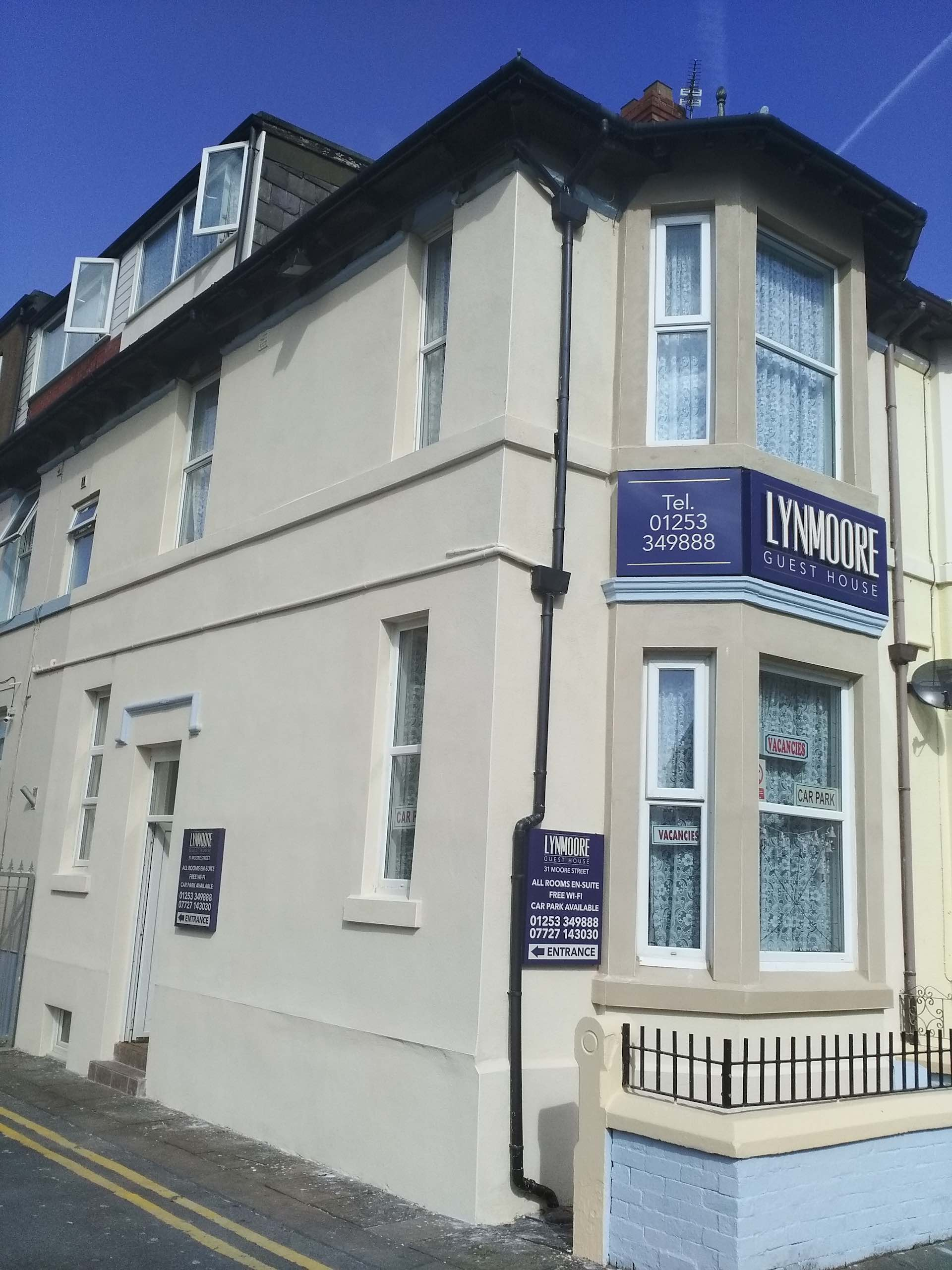 Book your room at Lynmoore Guest House - Blackpool